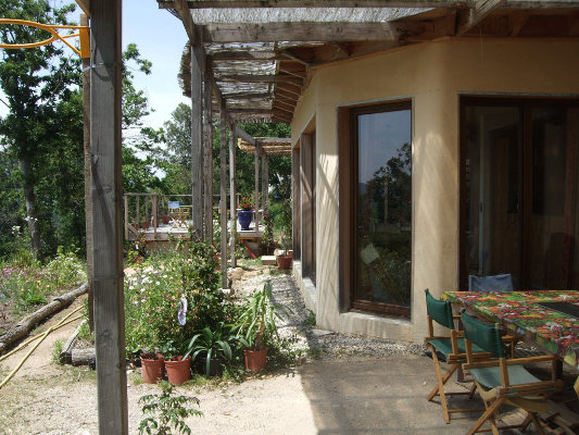 Habitat group co hameau maison en paille for Acheter une maison en ardeche