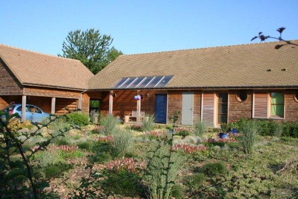 Maison bois ecologique mikabois est une entreprise for Achat maison canada