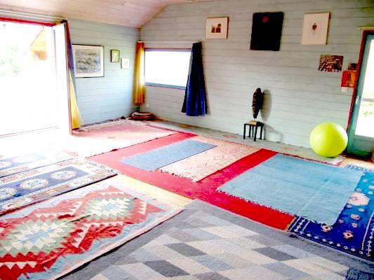 maison du yoga trendy salle de yoga maison saine vendre prs de montluon with maison du yoga. Black Bedroom Furniture Sets. Home Design Ideas