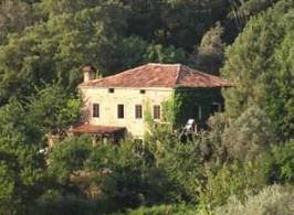 Eco-property for sale in Portugal, isolated in nature, magnificent views over the mountains and a lake