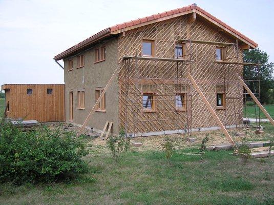maison en paille et terre vendre pr s de toulouse haute garonne 31 la maison jaune. Black Bedroom Furniture Sets. Home Design Ideas