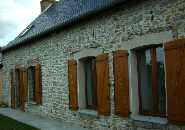 Long re r nov e cologiquement en loire atlantique 44 for Pierre facade maison